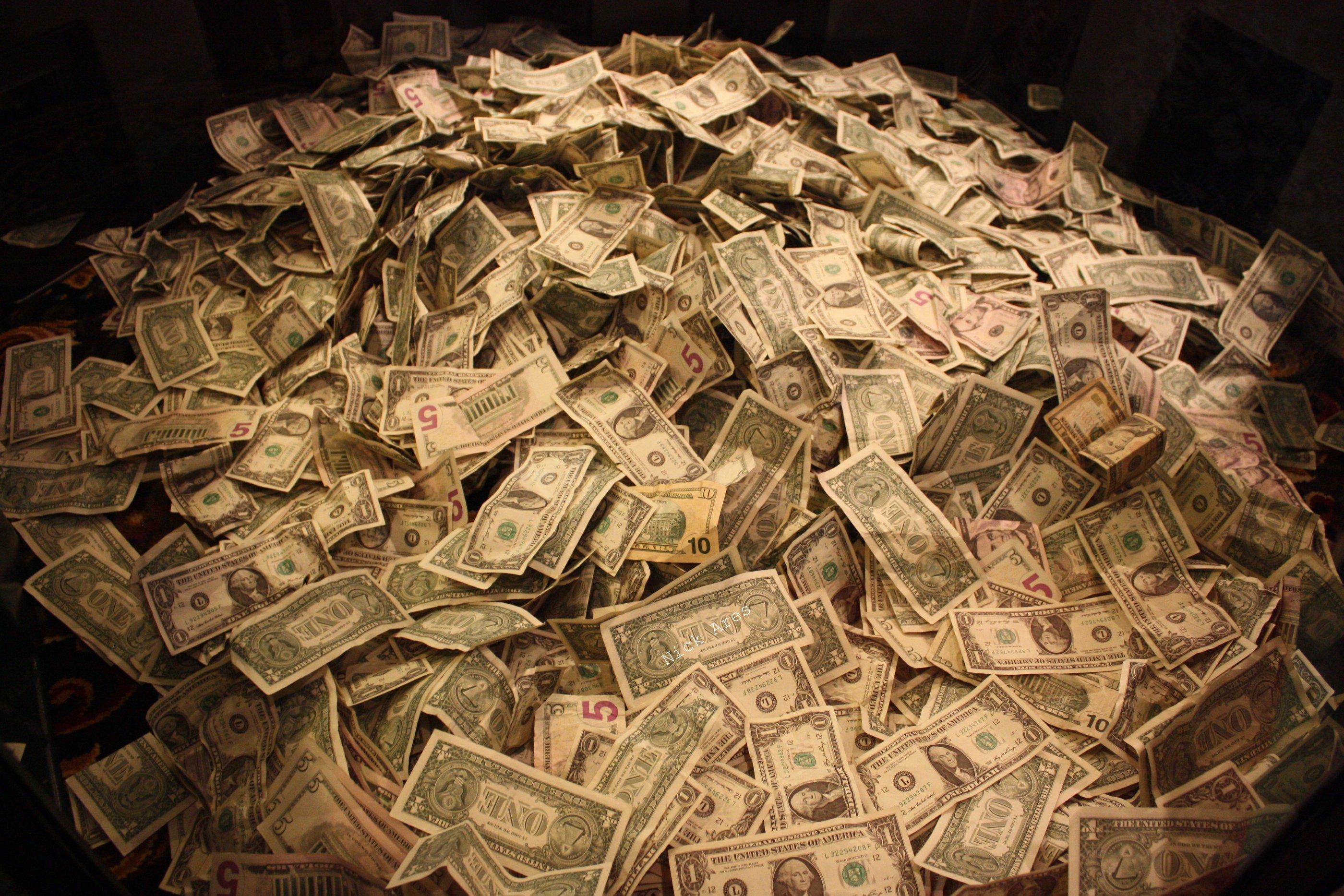 pile_of_money